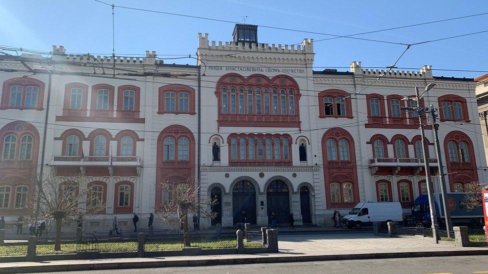 U zgradi koju je planirao da bude dvor njegove ćerke i zeta nalazi se Rektorat Beogradskog univerziteta