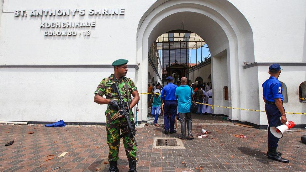 Восемь взрывов на Пасху на Шри-Ланке. Что известно на данный момент