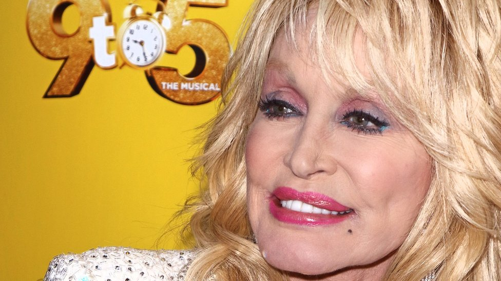 Parton's 9 to 5 'energetic but lightweight'