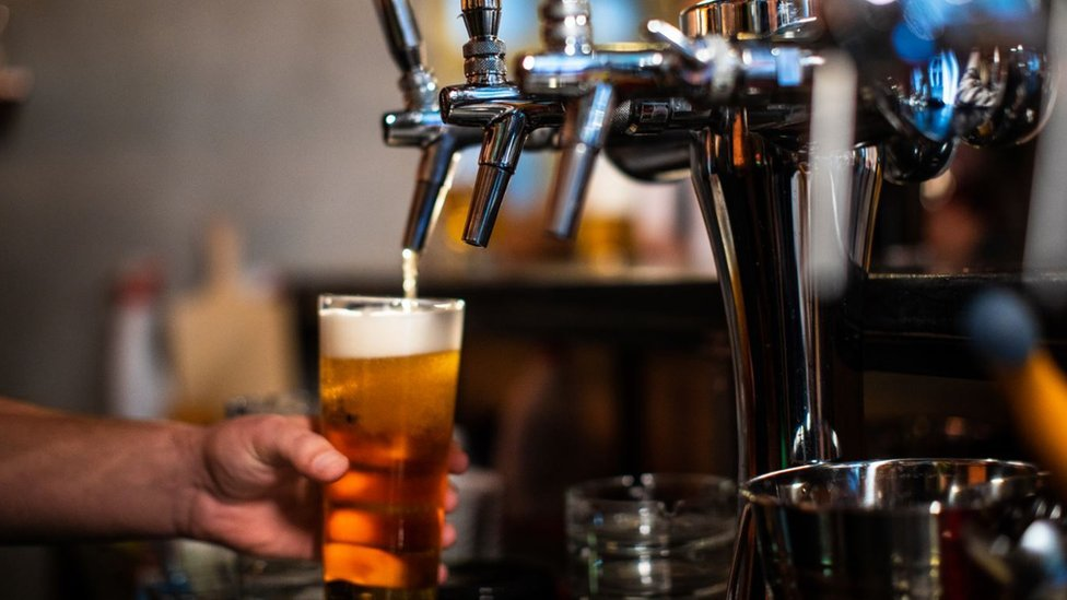 Coronavirus Lockdown Wipes 30bn From Uk Pubs And Restaurants Bbc News