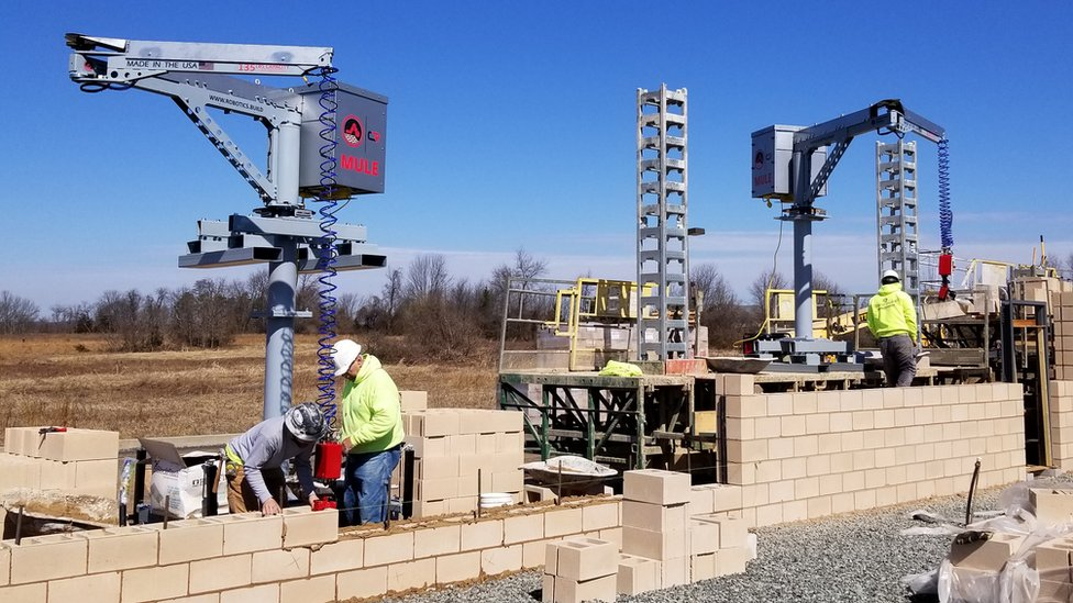 MULE (Material Unit Lift Enhancer) is a lift assist device designed for handling and placing material weighing up to 135 lbs on a construction site