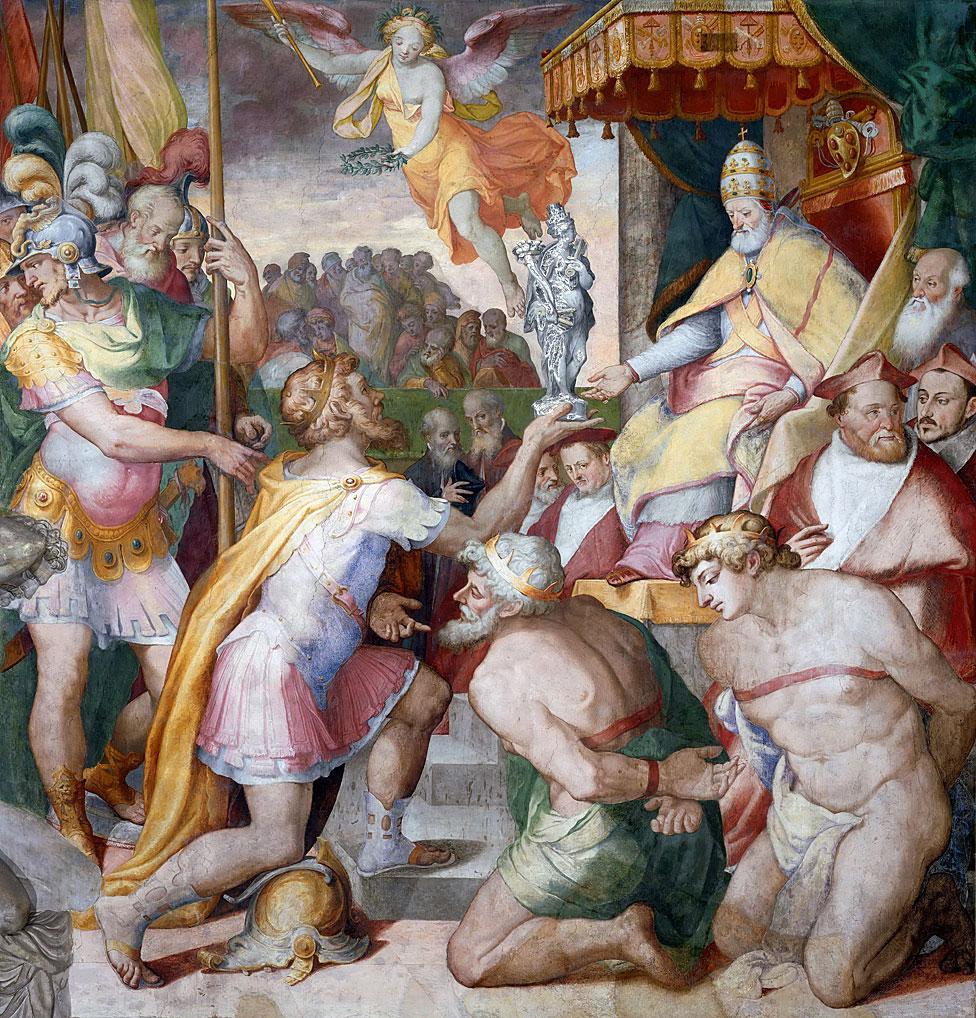 El emperador alemán Otto I entregándole un regalo al papa Juan XII.