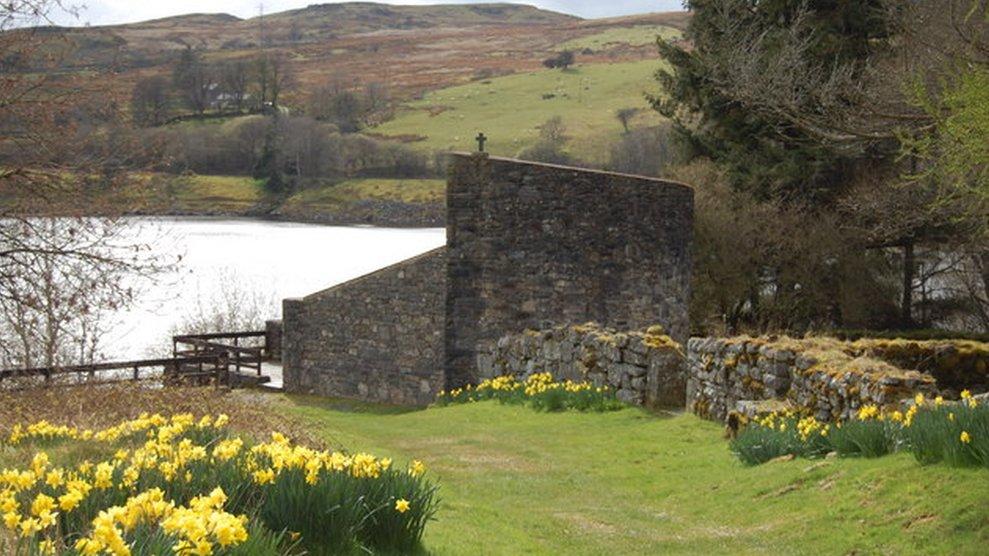 Tryweryn reservoir Capel Celyn memorial listed status plan