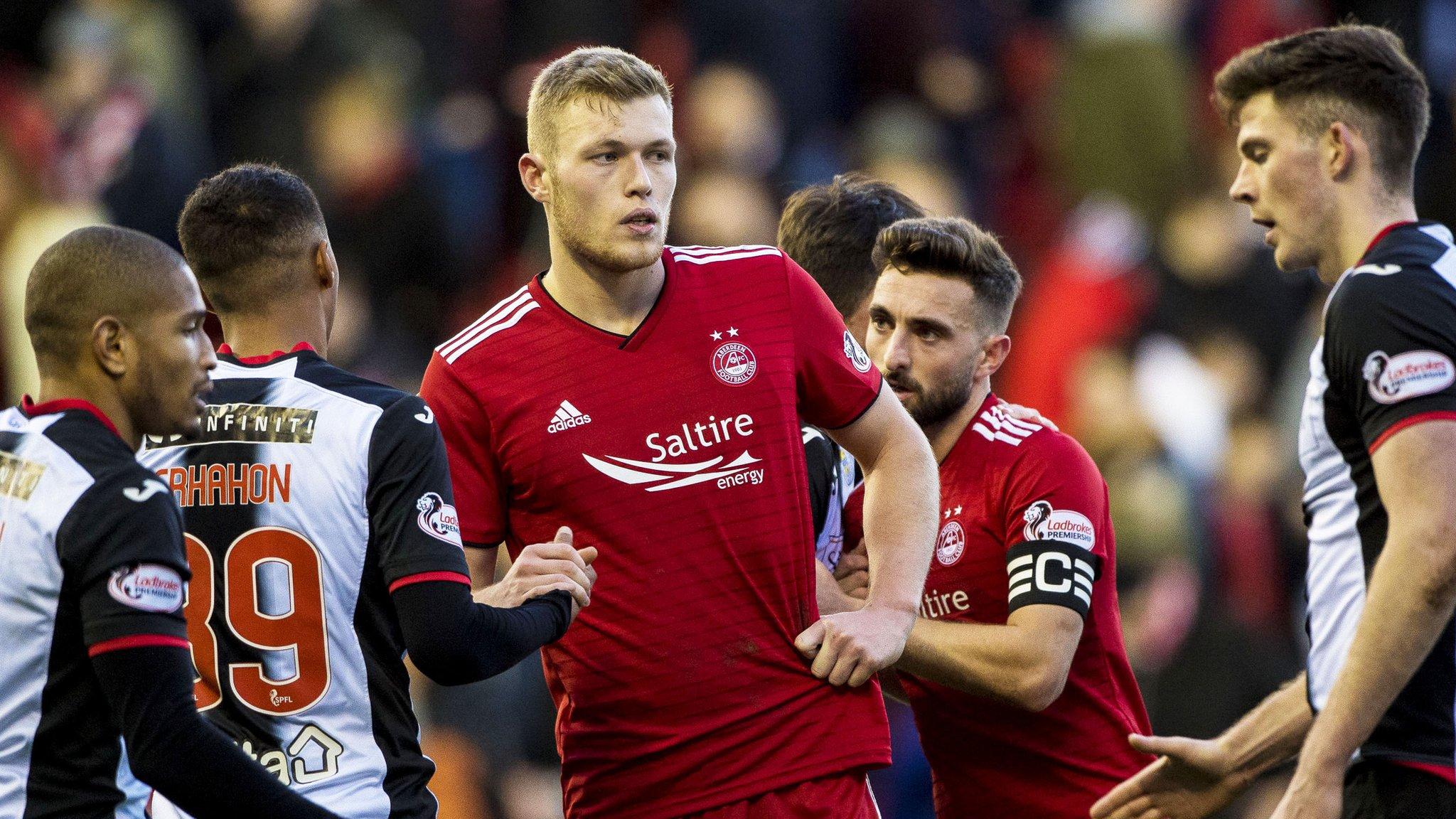 Aberdeen 2-2 St Mirren: Cosgrove equaliser denies St Mirren crucial win