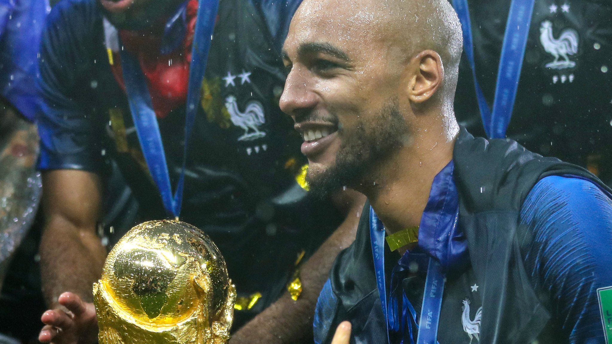Steven Nzonzi: Roma sign France's World Cup-winning midfielder from Sevilla