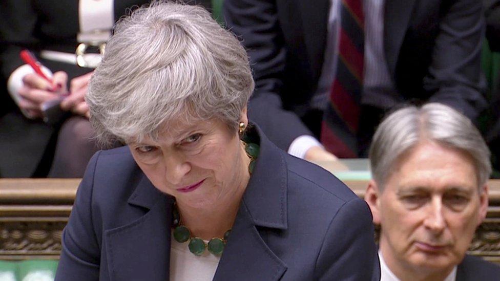 فشلت ماي مرتين في تمرير اتفاقها مع الاتحاد الأوروبي بشأن خروج بريطانيا من الاتحاد.