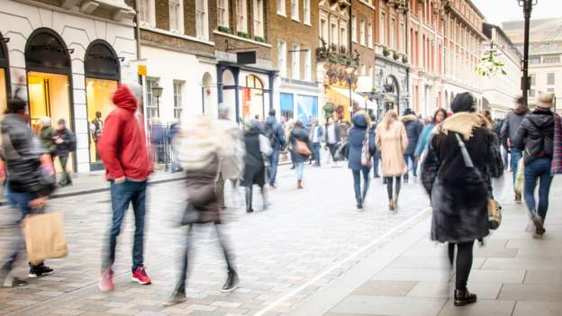 Retail sales boosted by mild March weather