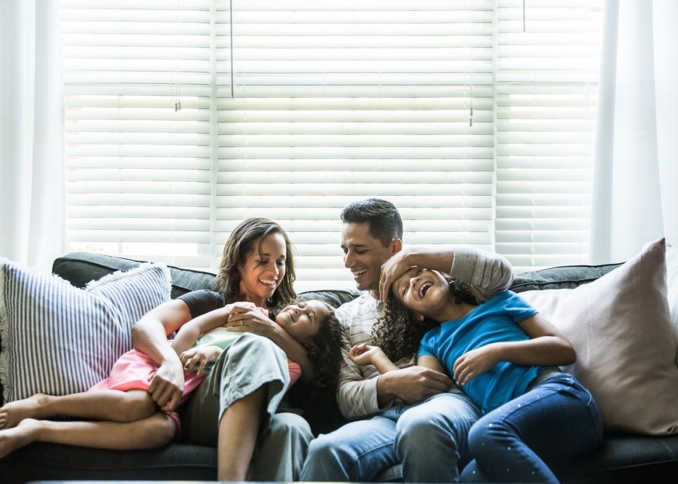 Familia con dos hijos