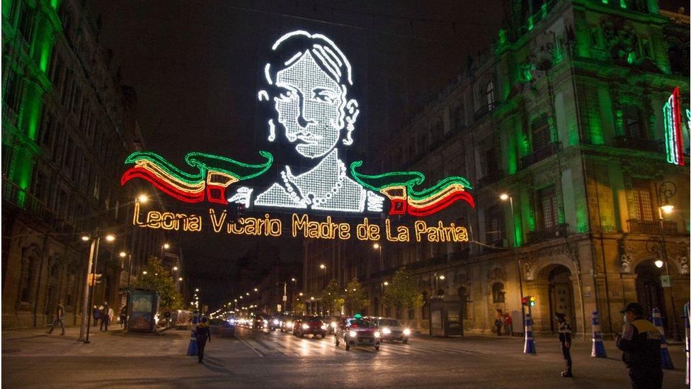 Una imagen iluminada de Leona Vicario