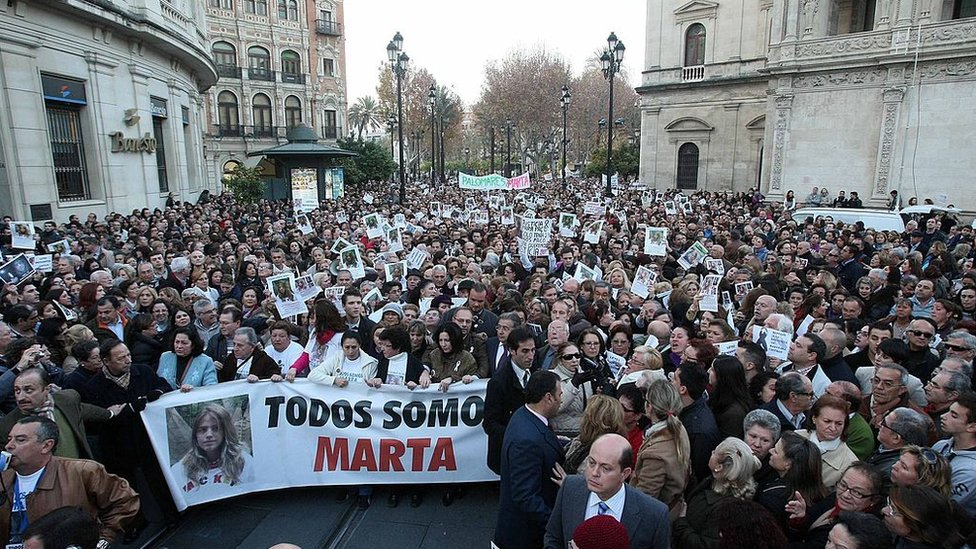 Marcha en Sevilla para que se haga justicia en el caso de la desaparición y muerte de Marta del Castillo