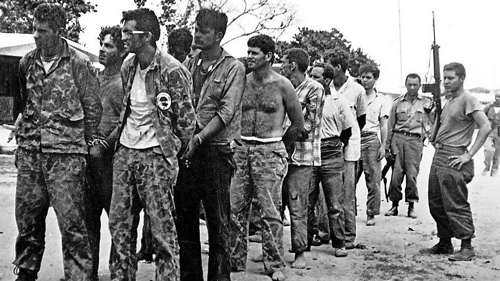 Miembros de la Brigada 2506 capturados en Cuba tras el fracaso de la invasión.