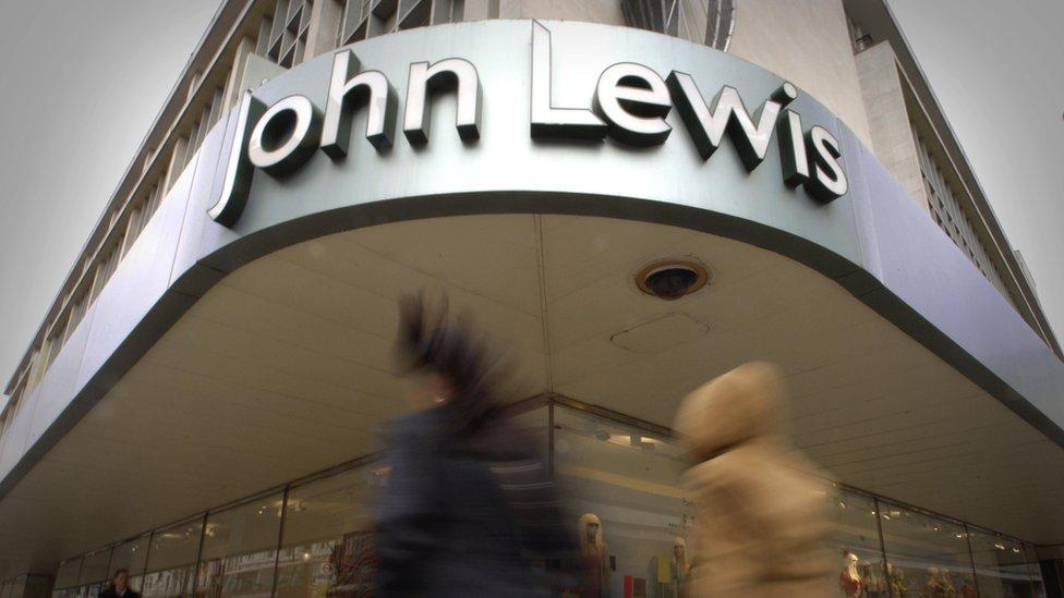 """La Sociedad John Lewis, es propiedad de sus 84.000 empleados, que son conocidos como """"socios""""."""