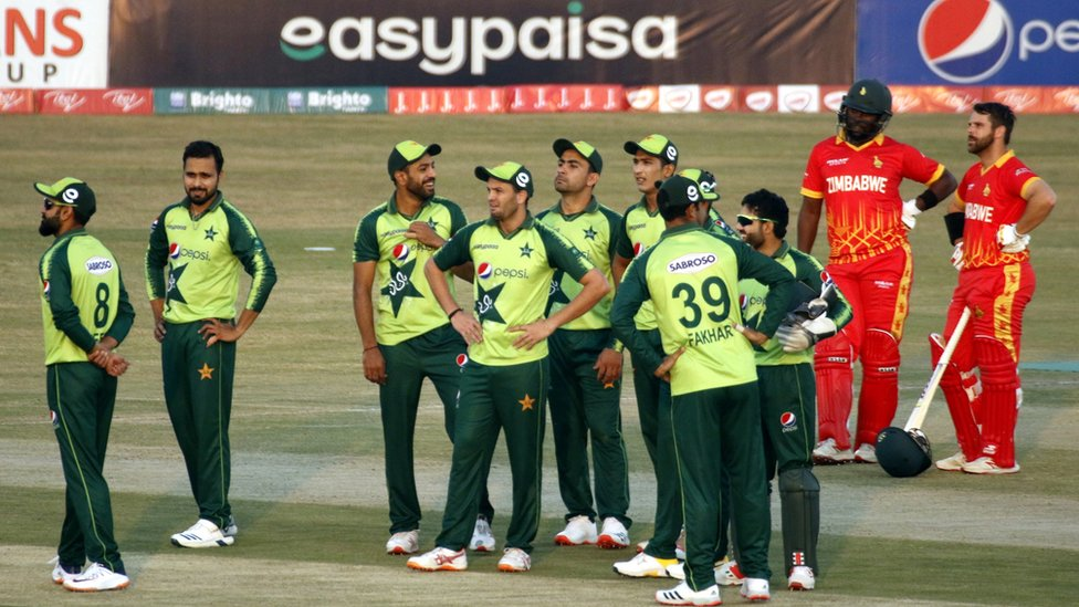 Covid: Pakistan cricket squad quarantined after positive tests in New Zealand - BBC News