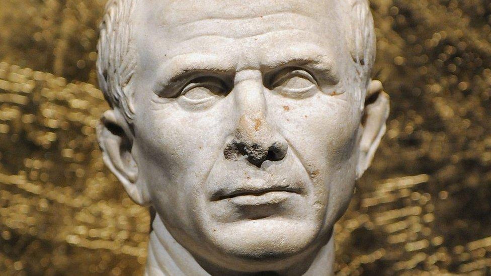 Julius Caesar's Britain invasion site 'found by archaeologists'
