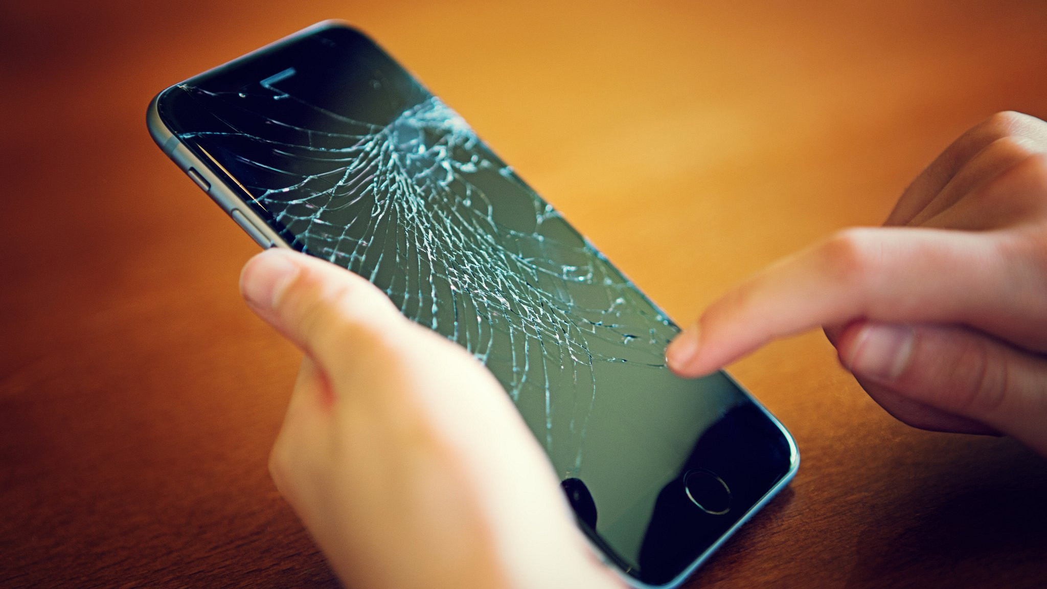 Will we ever get self-healing smartphones?