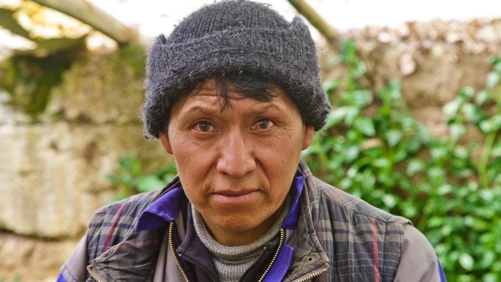 El ingeniero agrónomo Héctor Vélez lleva más de 17 años al frente de la producción de la Granja Ventilla, por donde pasaron numerosos estudiantes universitarios en prácticas.