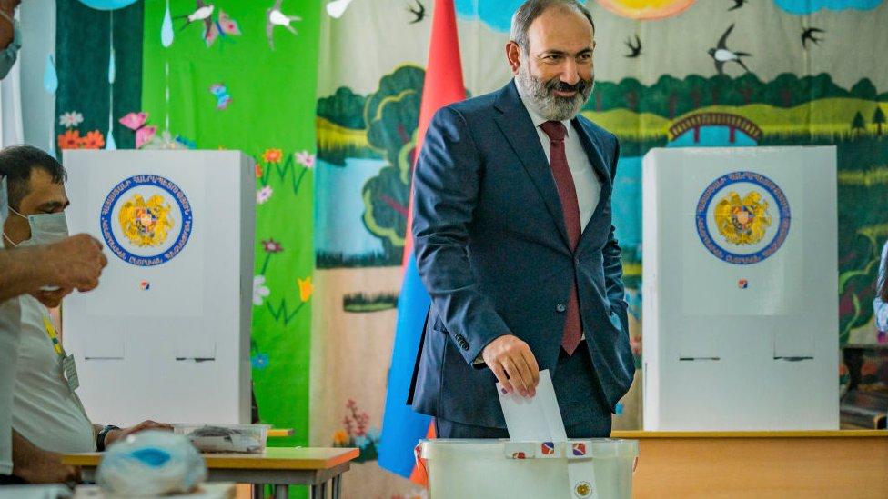 Неожиданная победа Пашиняна на выборах в Армении, оппозиция говорит о масштабных нарушениях