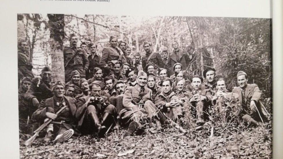 Britanski oficiri i partizani
