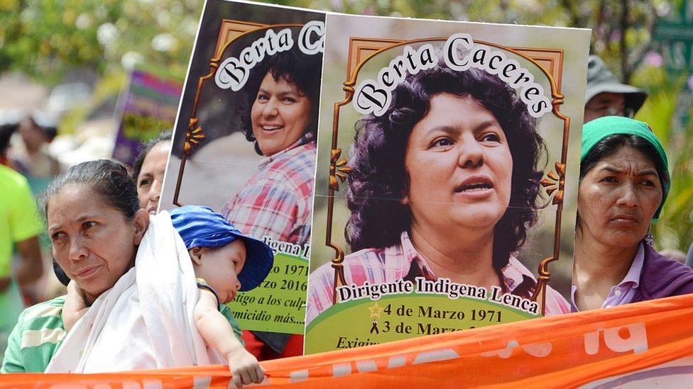 Marcha en homenaje a Berta Cáceres