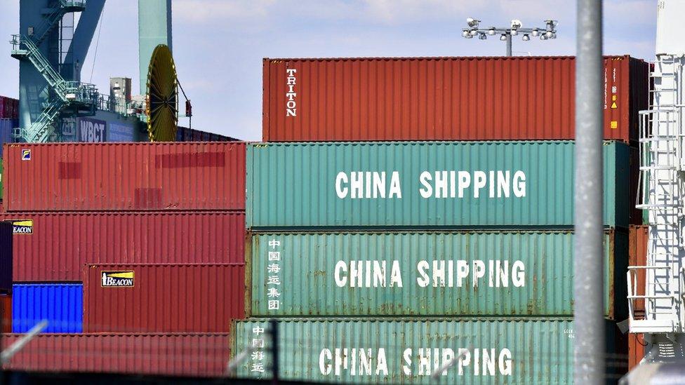 الحرب التجارية بين أمريكا والصين تزداد احتداما