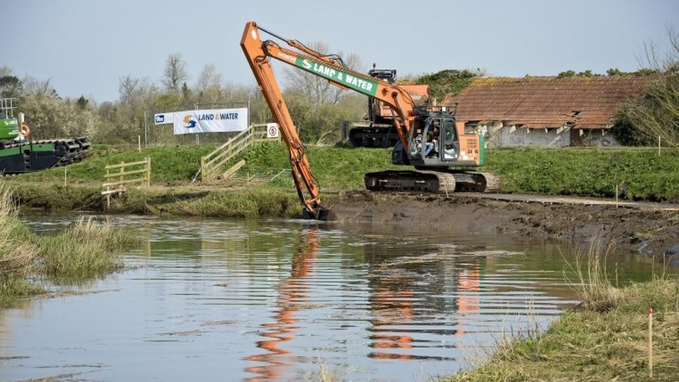 Dredging on Somerset Levels river section delayed to 2019