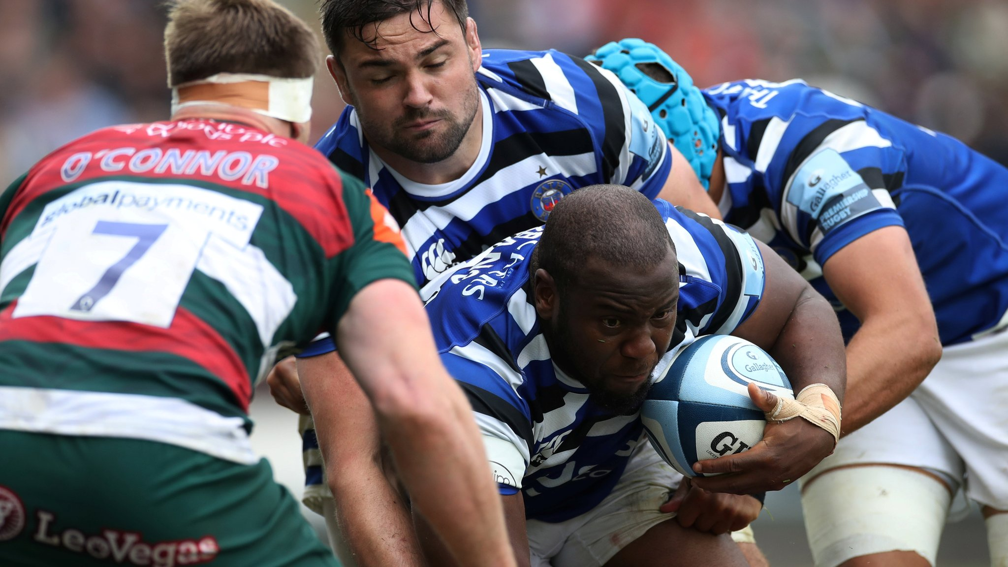 Premiership: Bath snatch 32-31 win at Leicester to finish sixth