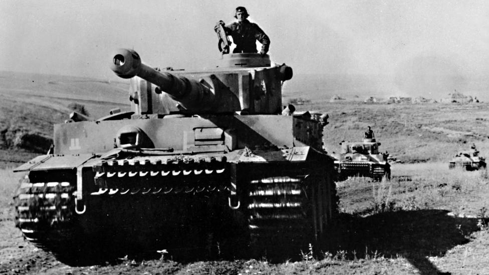 Tanques alemanes Tiger en la Batalla de Kursk en julio de 1943.