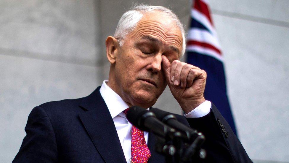 Malcolm Turnbull: PM battles cabinet rebellion over leadership