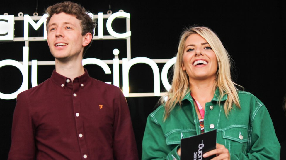 BBC News - Matt Edmondson and Mollie King to host BBC Radio 1 weekend breakfast