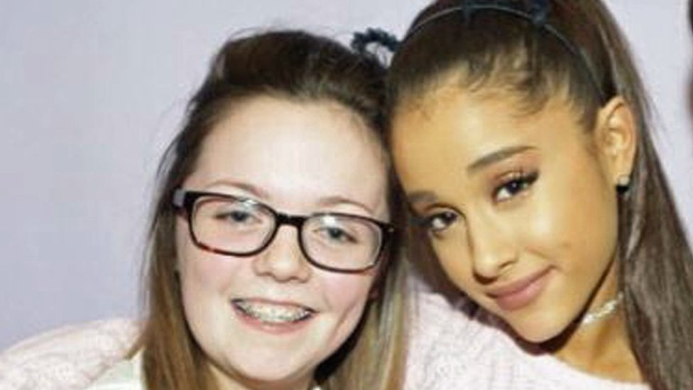 Ariana Grande 'superfan' dies in attack