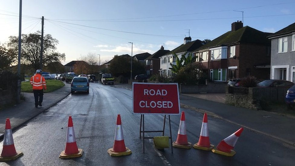 Road closure on Hoarwithy Road