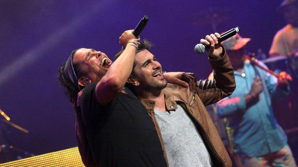 Carlos Vives y Juanes
