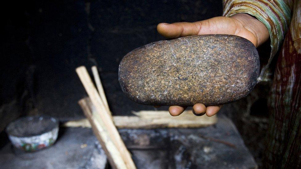 Piedra usada para el planchado de senos