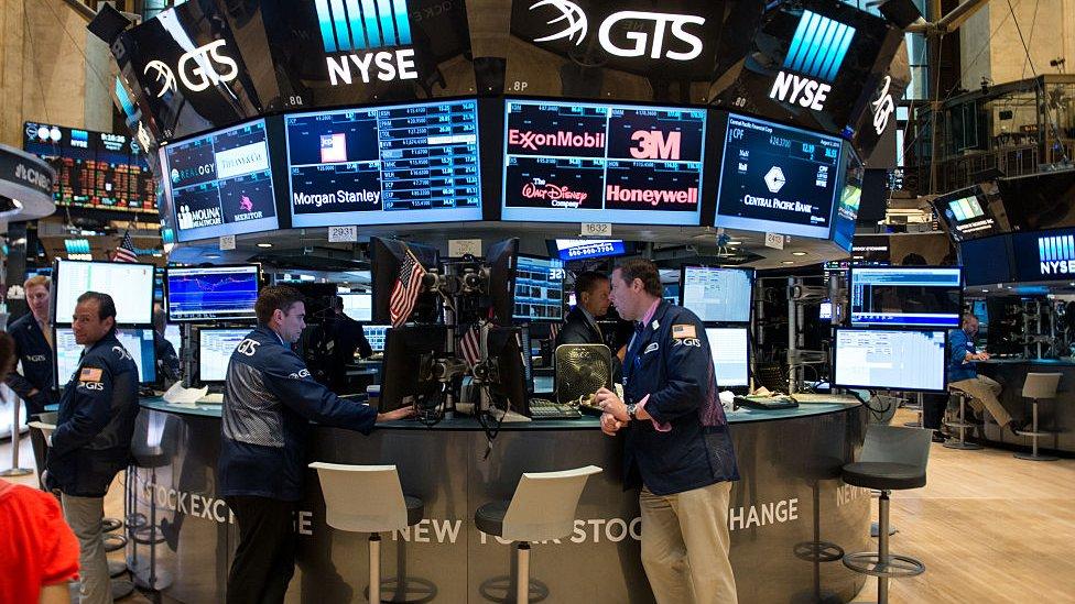 Gamestop的股票在美國價值暴漲了120%。