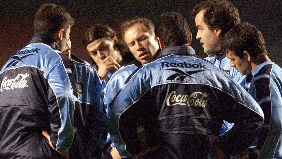 Bielsa desarrolló un singular estilo de juego mientras dirigió la selección argentina.