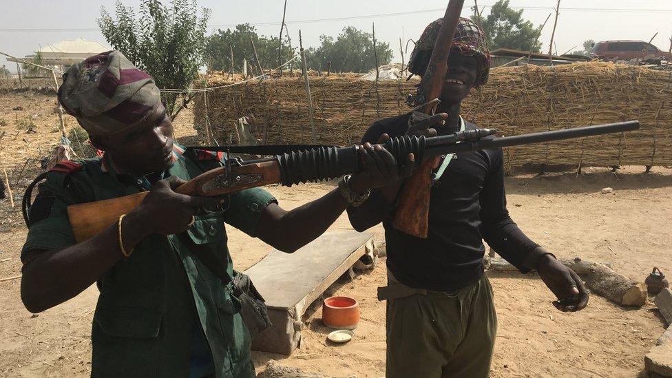 مقاتلين من الجيش النيجيري