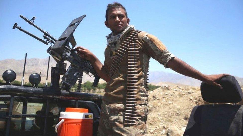مخاوف من انهيار القوات الحكومية وسقوط المزيد من المدن في أيدي مسلحي طالبان