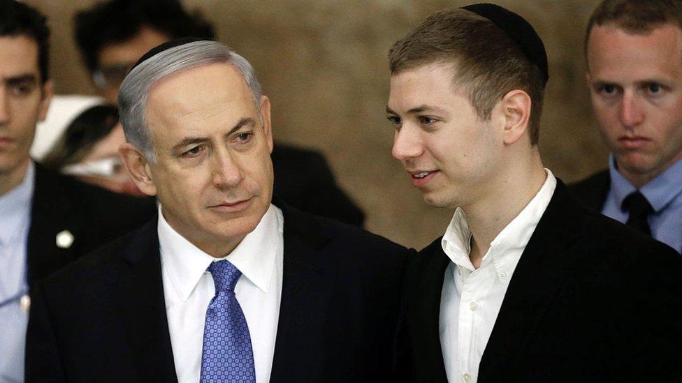 Benjamin and Yair Netanyahu (file photo)