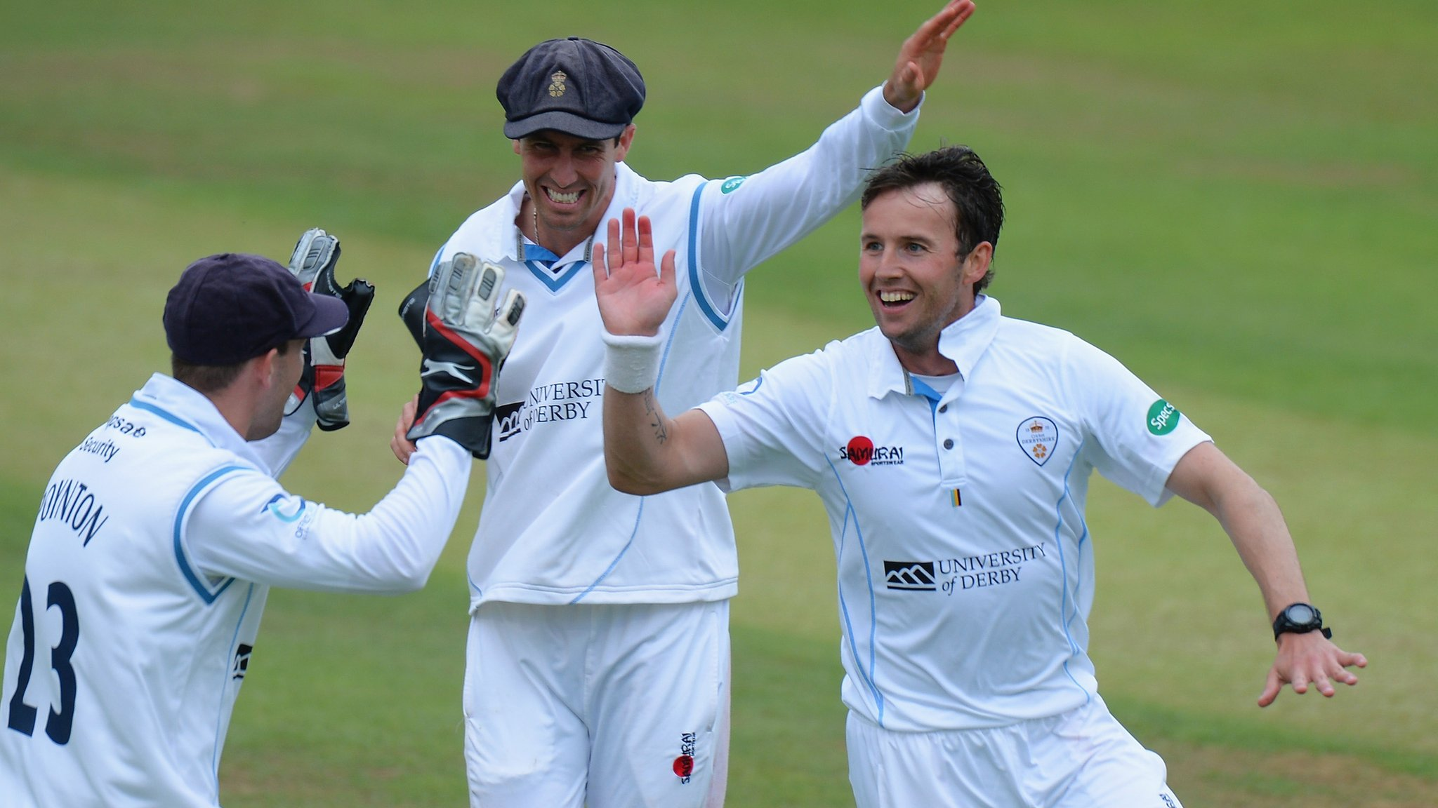 County Championship: Glamorgan struggle against Derbyshire despite winning toss