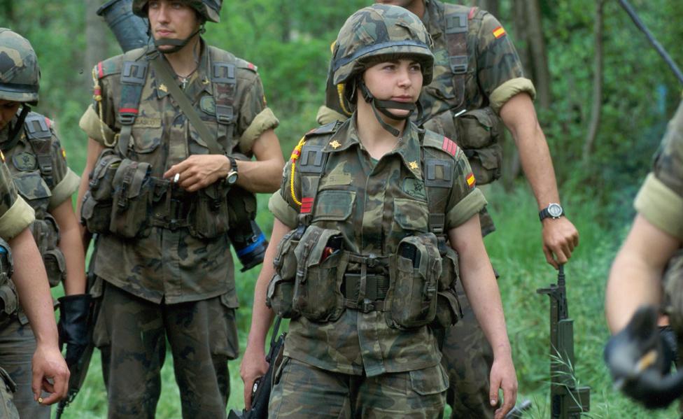 خدم جنود إسبان في مناطق البلقان الساخنة بمن فيهم المجندات