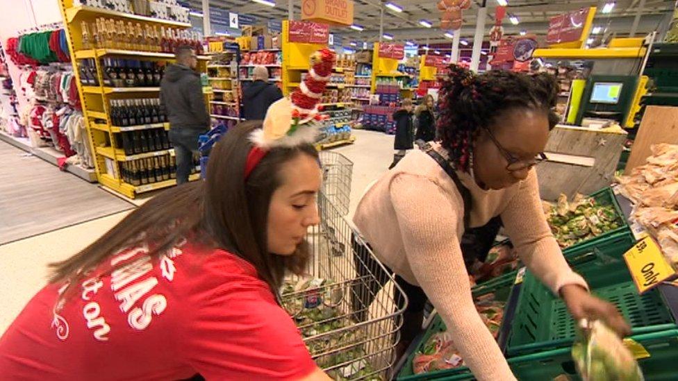 Mo Fayose doing her Christmas food shopping