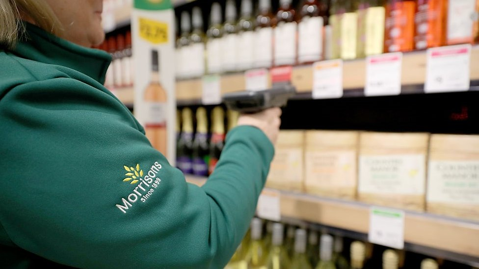 Morrisons 'performs well' over Christmas