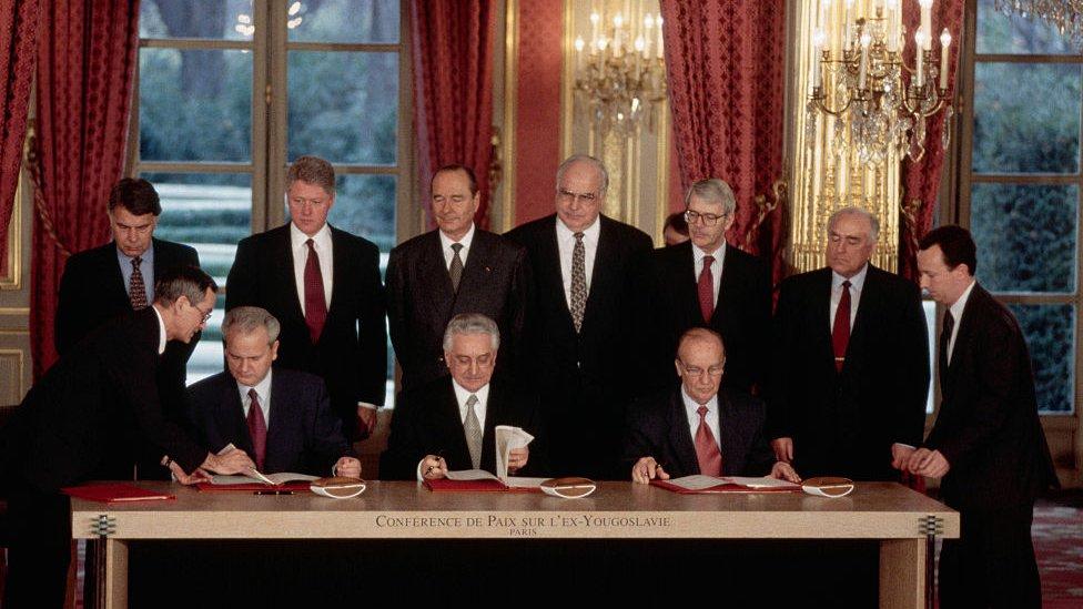 Firma de los acuerdos de Dayton en 1995.