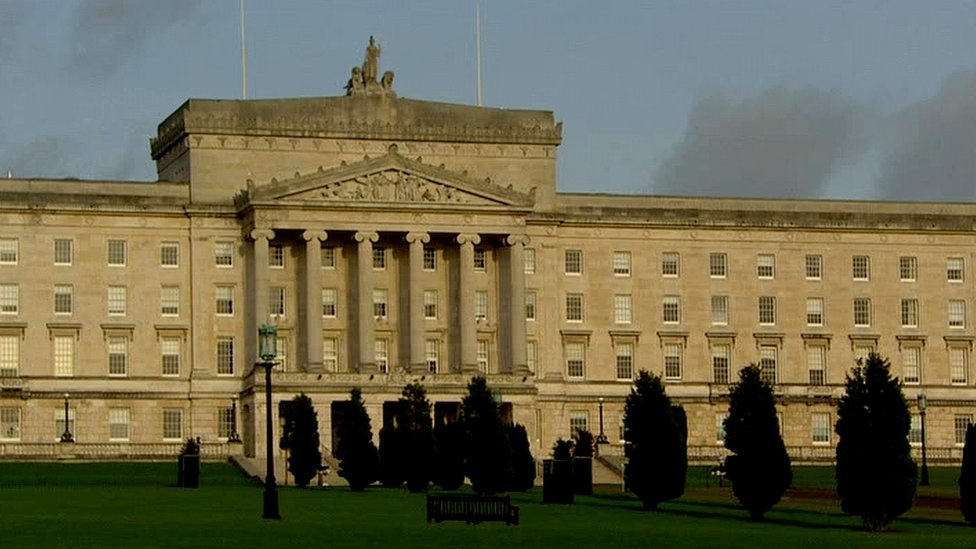 Northern Ireland parties 'should be locked in room until deal'