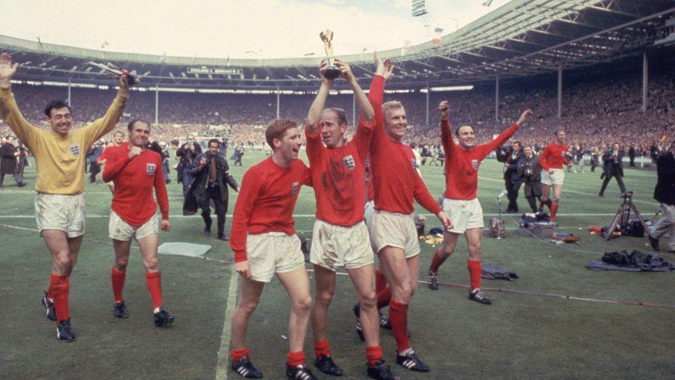 Jugadores de Inglaterra en Wembley en 1966.