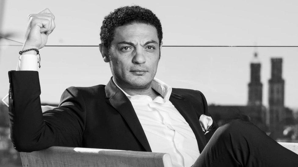 """محمد علي """"بين البطولة والخيانة"""" في أعين الصحافة العربية"""