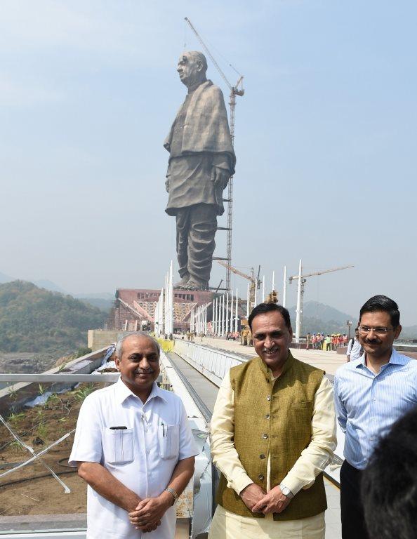 En uzun heykel