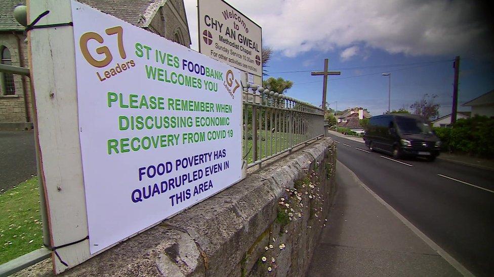 聖艾夫斯食品救濟站外貼出的宣傳告示