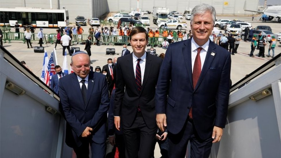 Israeli and US delegates, including Jared Kushner (centre), board the Israel-UAE flight (31/08/20)