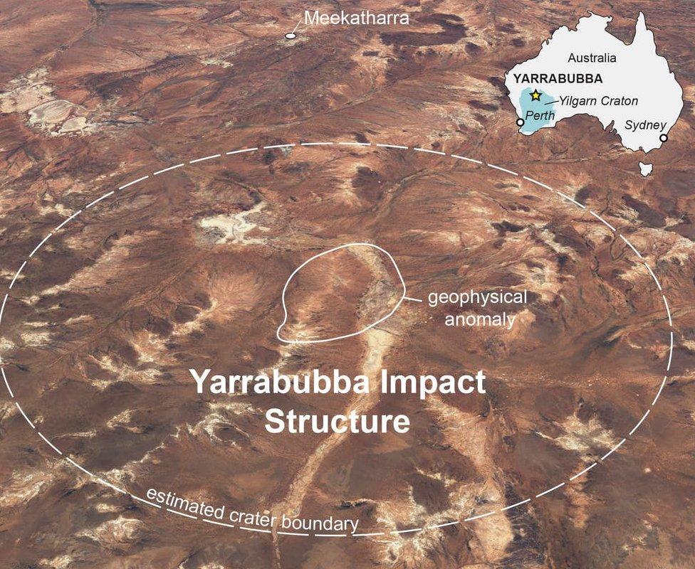 Размеченная фотография и карта кратера в Западной Австралии